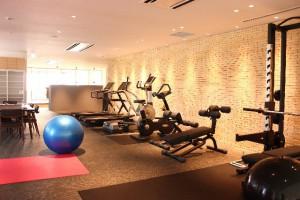 運動療法に活用できるスポーツジムの画像